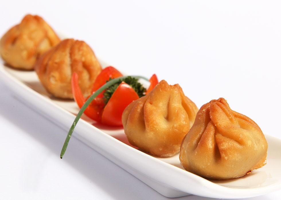 Catering: Nenúfares de hongos y foie. puchero de plata