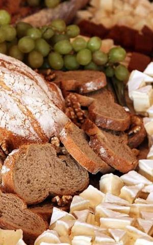 Catering: Buffet de Quesos. puchero de plata