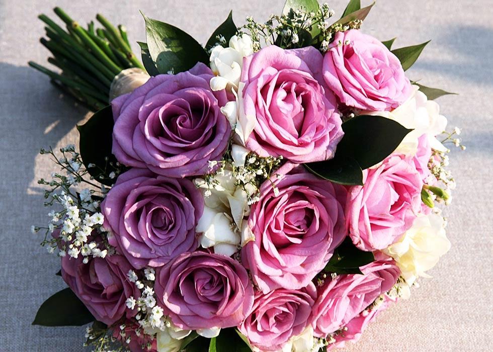 Arreglos florales según los colores de la novia